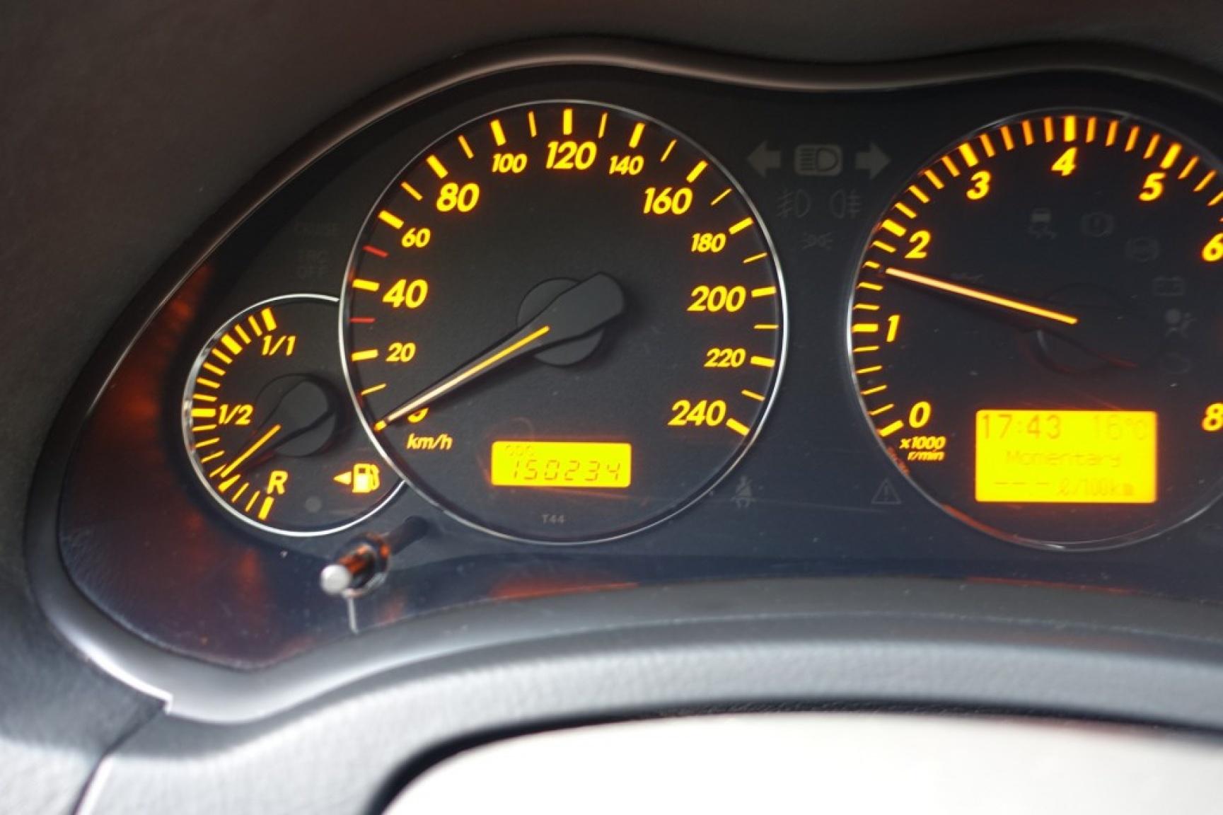 Toyota-Avensis-26